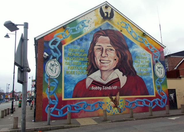 - Bobby_sands-wall_mural
